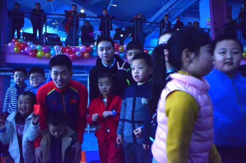 重庆欢乐蹦床公园活动